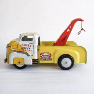 """Wyandotte Tow Truck. made in the USA ca. 1950s. 8"""" long 9w"""