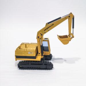 NZG Modelle Diecast CAT Caterpillar 215 Excavator