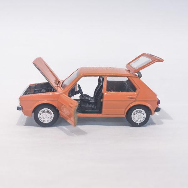 Schuco Germany 1/66 scale diecast model 301-621 Volkswagen VW Golf