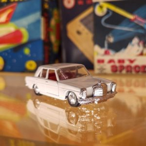Brinquedos REI Brazil 1/66 Scale Diecast Model Car Mercedes 200